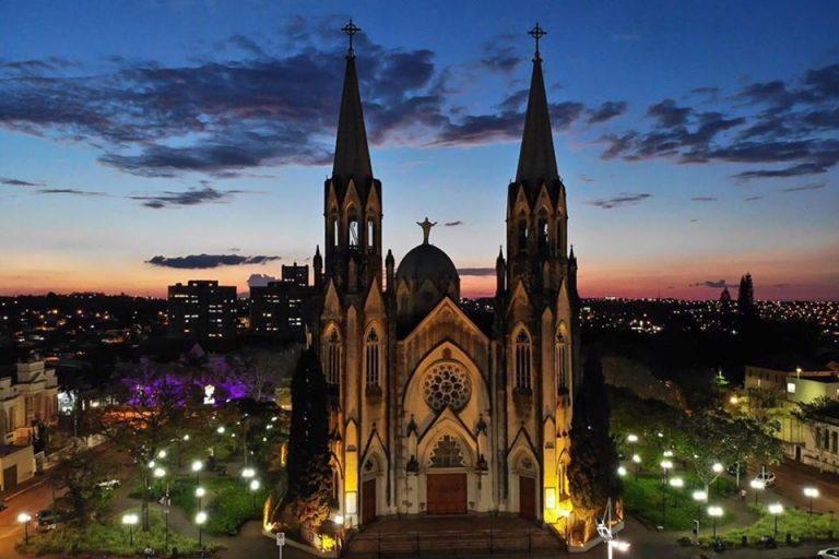 catedral-botucatu-facebook-padre-emerson